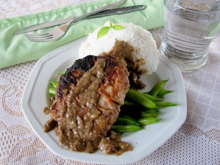 Pork Chops with Buttermilk Gravy