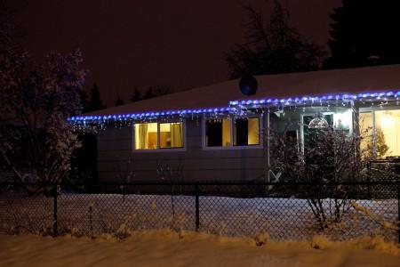 christmas-lights-snow
