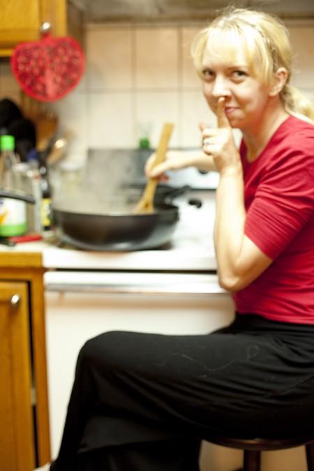 diana-stirring-risotto