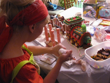 Diana decorating gingerbread house