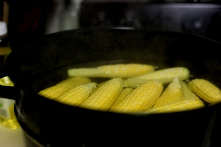 blanching-corn- on-the-cob