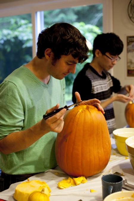 eric-carving-pumpkin
