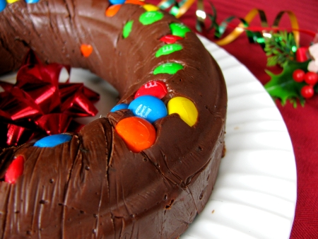 m&m and oreo fudge ring christmas party