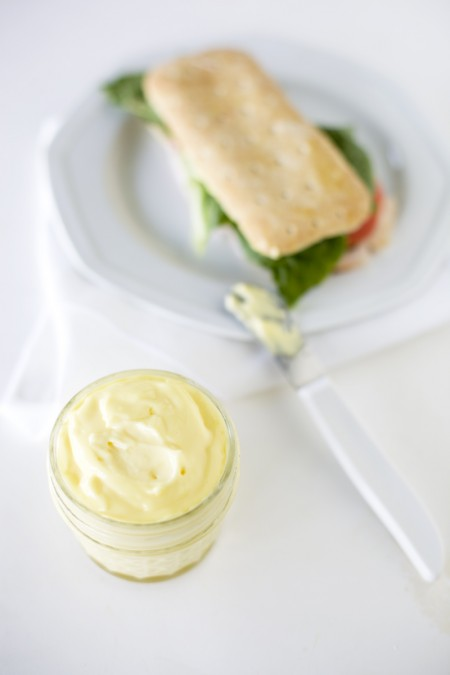 homemade-mayonnaise-with-sandwich