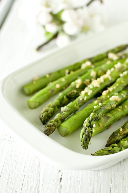 lemon-garlic-asparagus