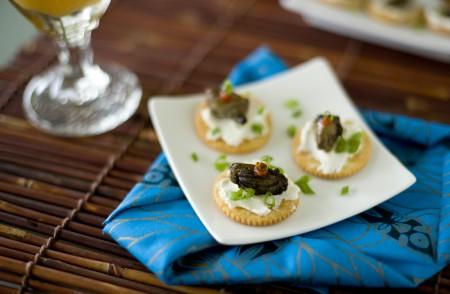 oyster-sriracha-crackers