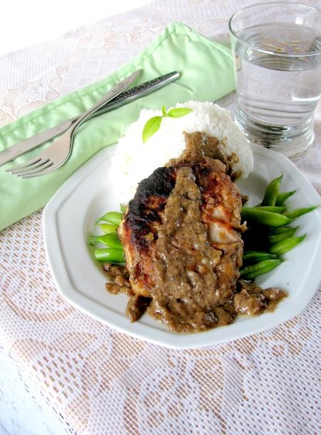 pork chop with buttermilk gravy