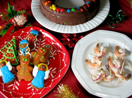 safeway holiday recipes shrimp, gingerbread men, fudge ring