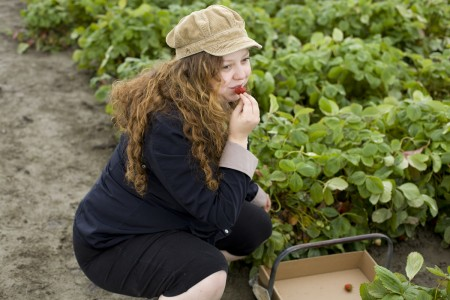 sharon-eating-strawberry
