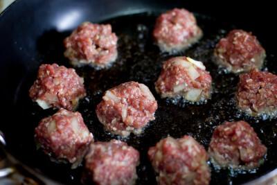 frying-meatballs