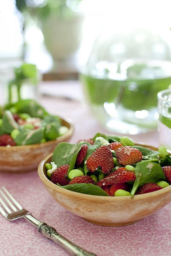 strawberry-soy-bean-salad
