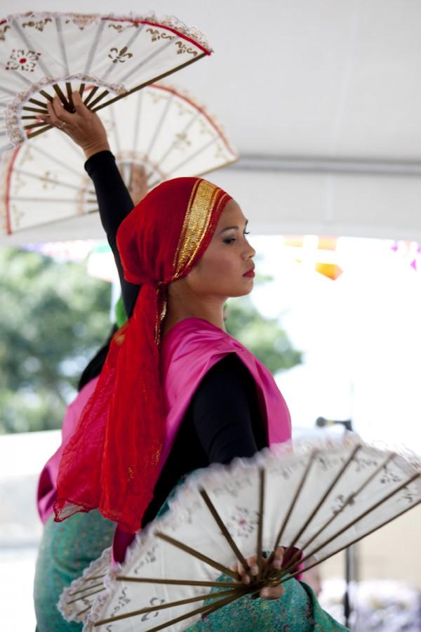PAYO-fan-dance