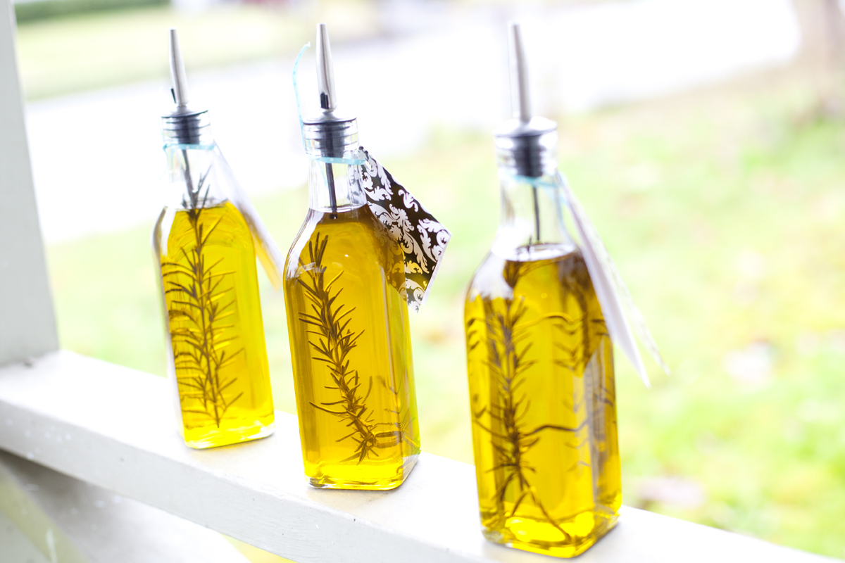 Rosemary Olive Oil (Great Hostess Gift Under $10!)