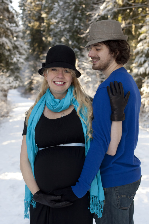 maternity couple in snow