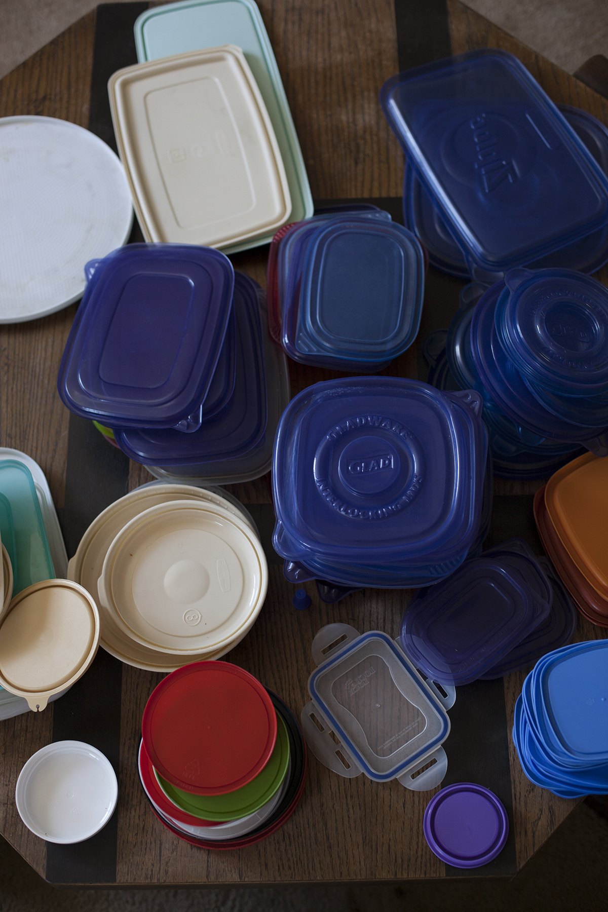 How To Organize Your Tupperware Cupboard For A Couple