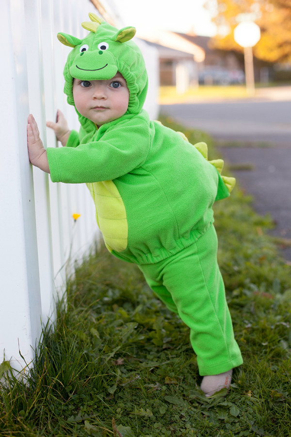 Cute baby dragon costume for Halloween | EatingRichly.com