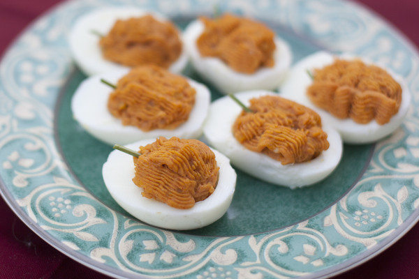 Adorably cute deviled eggs that look like mini pumpkins | EatingRichly.com