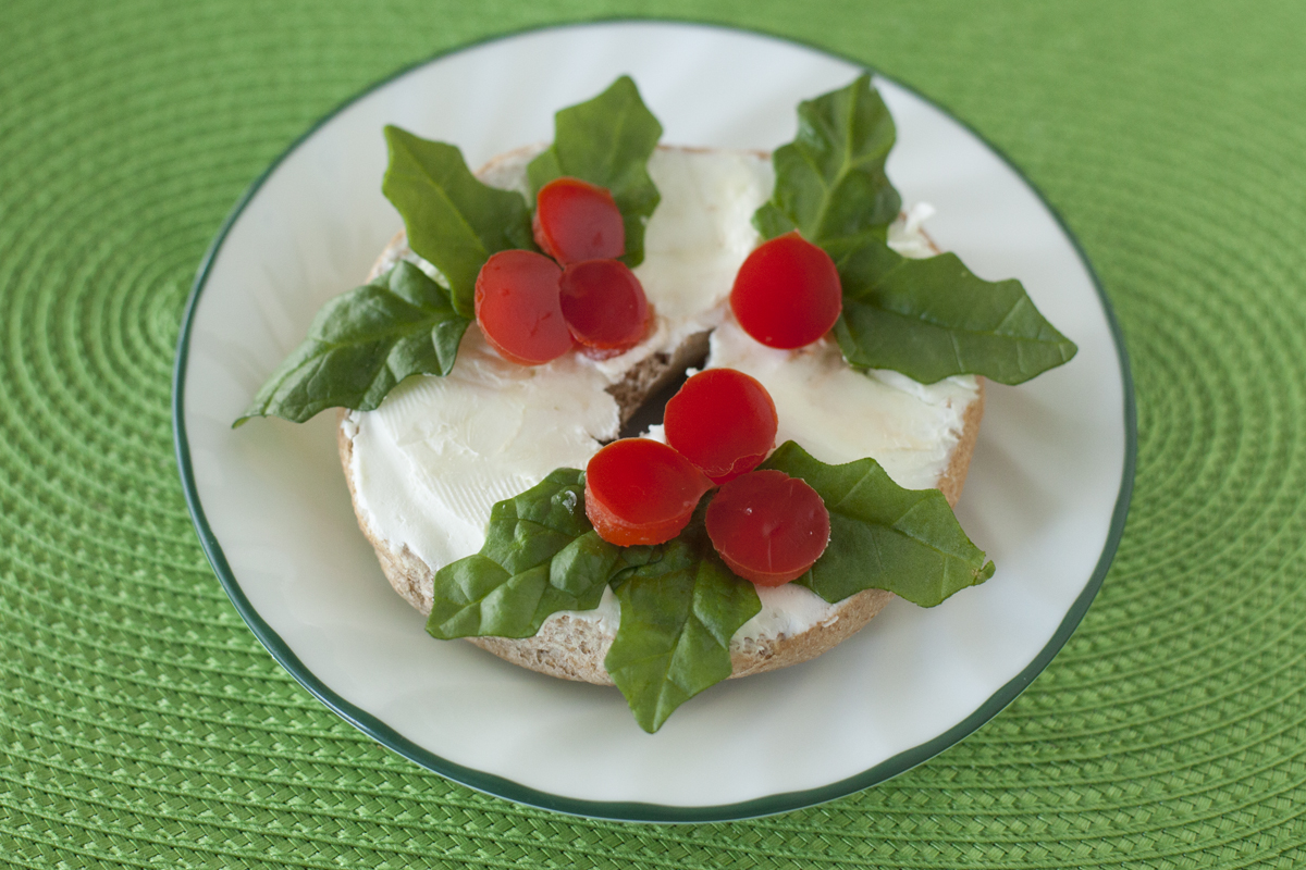 Cute Kid Snack Recipe: Christmas Wreath Bagel