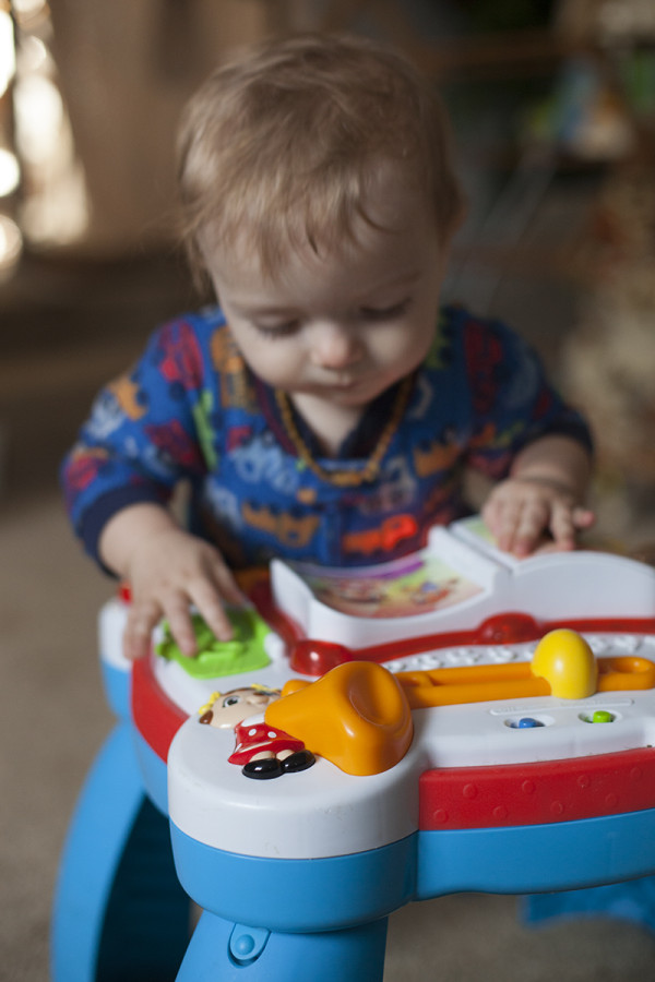 10 month old playing | EatingRichly.com