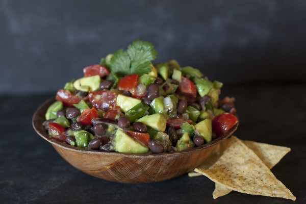 tomato-avocado-salsa-recipe-super-bowl2