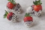 dark-chocolate-almond-strawberries-valentine-600x400-1
