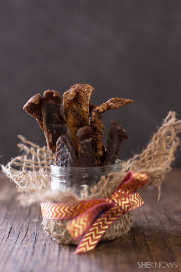 Use your oven to easily turn fresh beef into flavorful Korean kalbi beef jerky for a homemade edible gift. EatingRichly.com