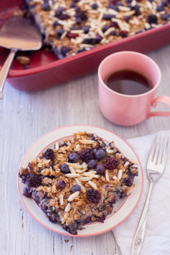 Black and Blueberry Baked Oatmeal Recipe