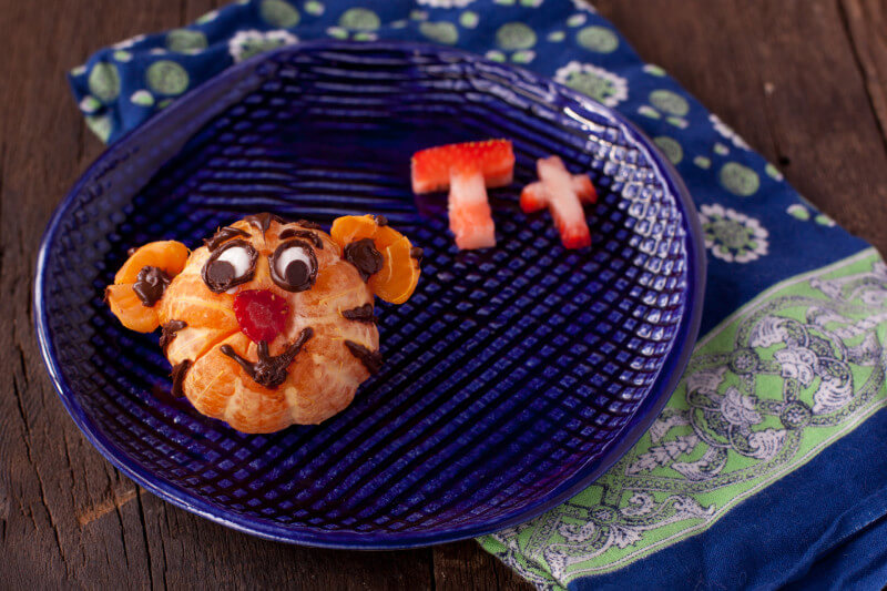 This Daniel Tiger kid snack is great for cooking with kids, and teaching the letter T! on EatingRichly.com