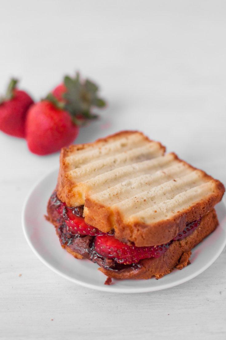Strawberry Nutella Sandwich Recipe