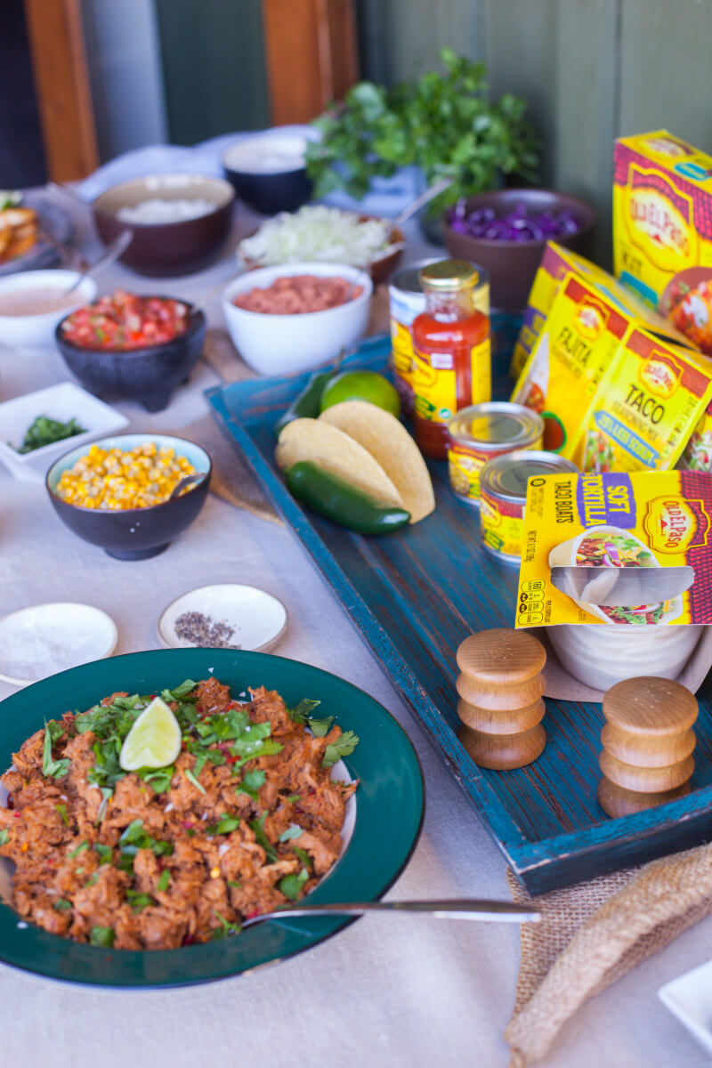 A taco bar is an easy lunch option for a weekend getaway with friends. Check out all the details of our awesome, all expense paid blogger work retreat! #InvigorateRetreat #OldElPaso