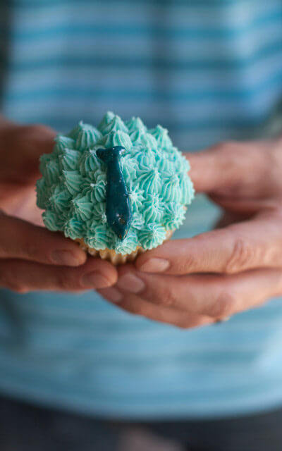 Father's Day Tie Cupcake Recipe. See all 15 creative edible Father's Day gifts on EatingRichly.com.