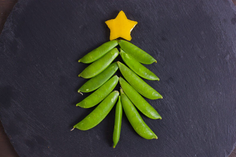 these easy christmas snacks look like cute little christmas trees and are a fun way