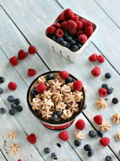frozen dessert berry oatmeal bites