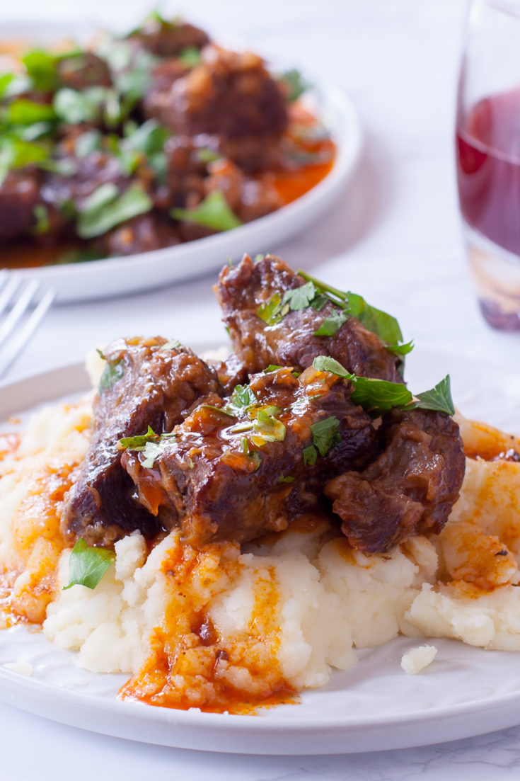 pressure cooker boneless beef short ribs on mashed potatoes
