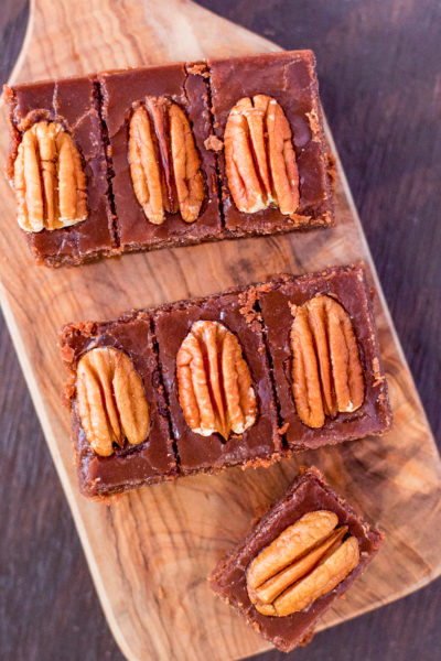 This pecan bourbon fudge recipe is the perfect blend of sweet fudgy goodness and rich, oh so soothing, Kentucky bourbon. From EatingRichly.com