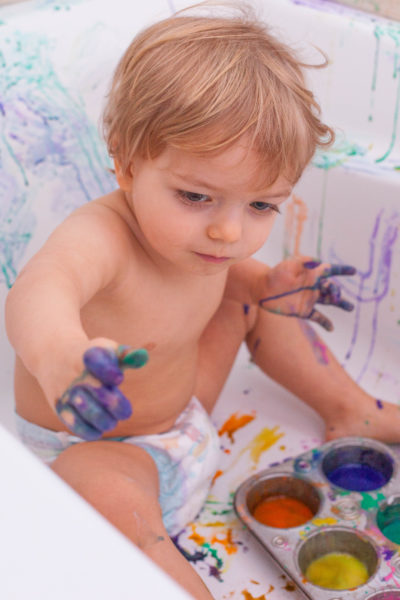 Toddler Paint Bath Sensory Art