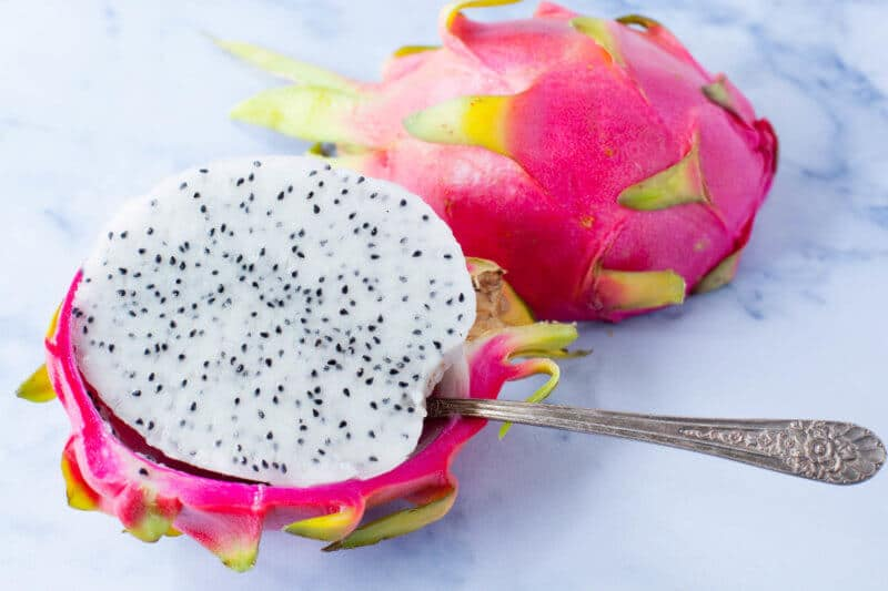 How to eat dragon fruit with a spoon