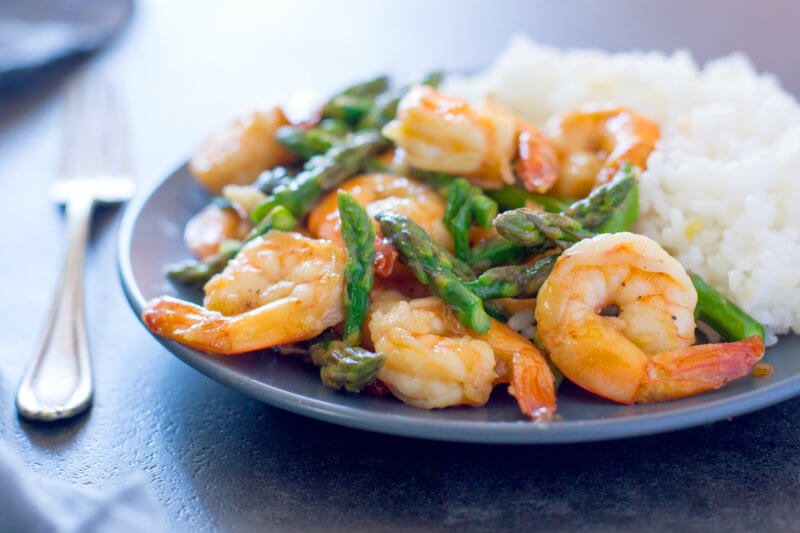 shrimp with asparagus in stir fry
