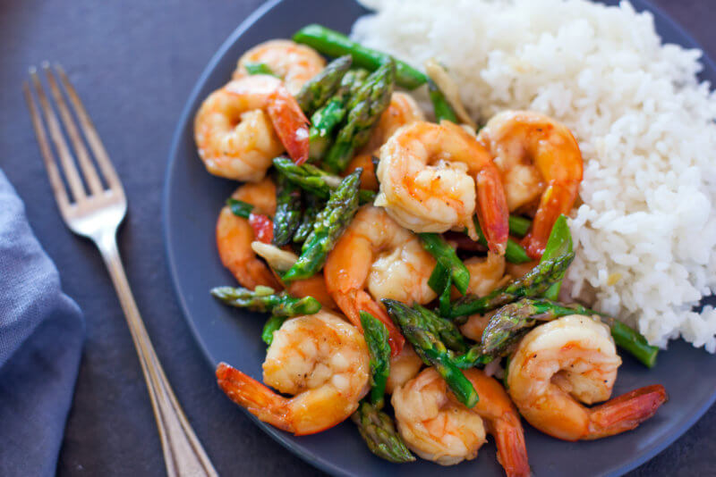 shrimp and asparagus stir fried with oyster sauce