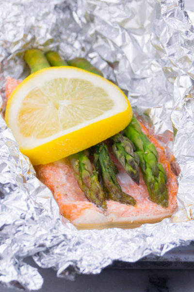Salmon Asparagus and Lemon in Foil