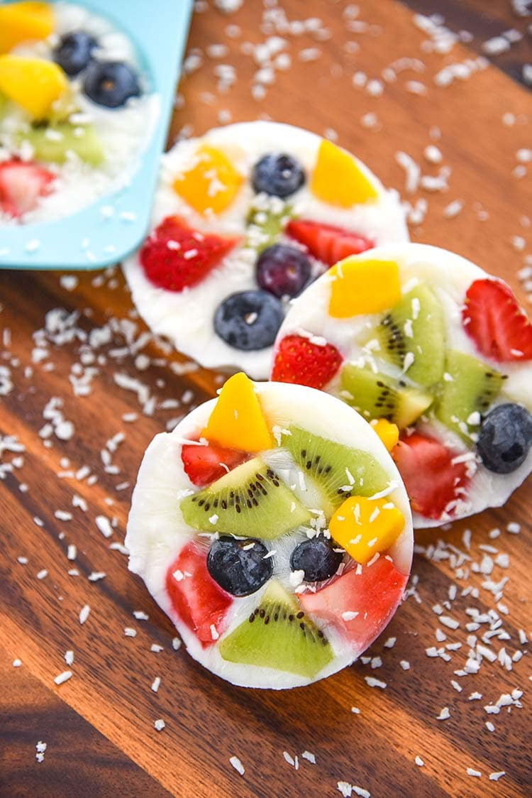 frozen dessert yogurt fruit cookies