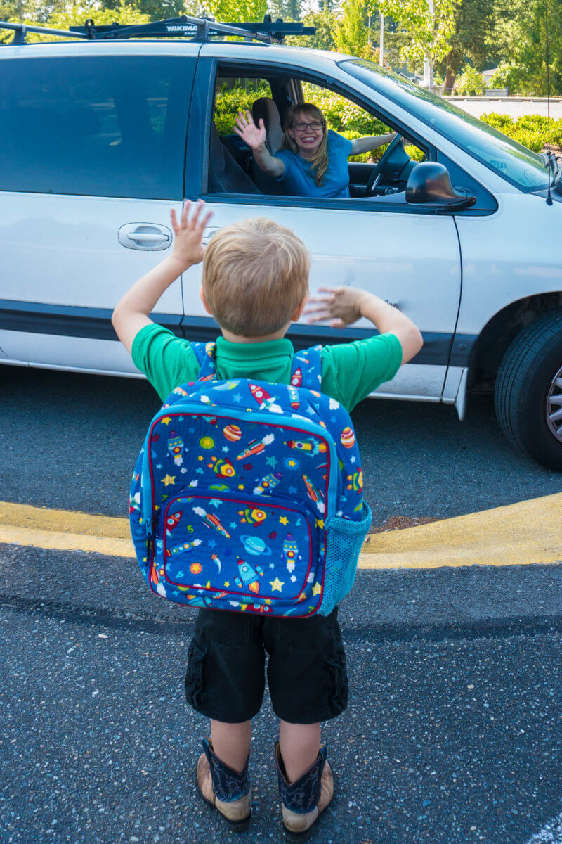 Kindergarten Drop Off - Kindergarten Prep Tips for Mom