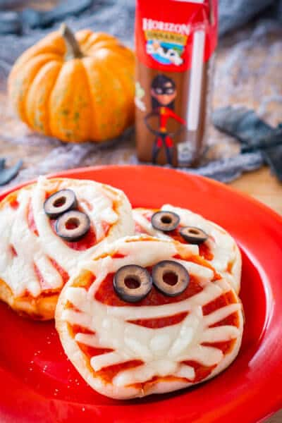 Halloween Pizza Mummy Kids Can Make Themselves!