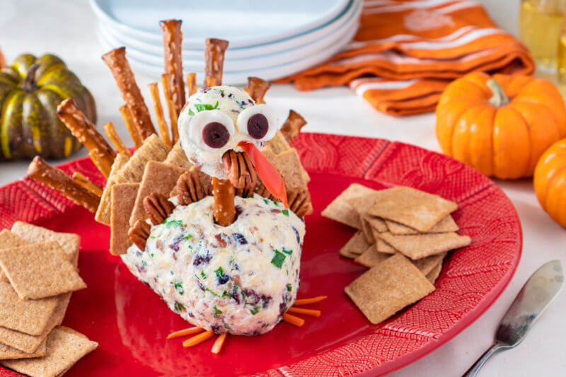 Turkey Cheese Ball Thanksgiving