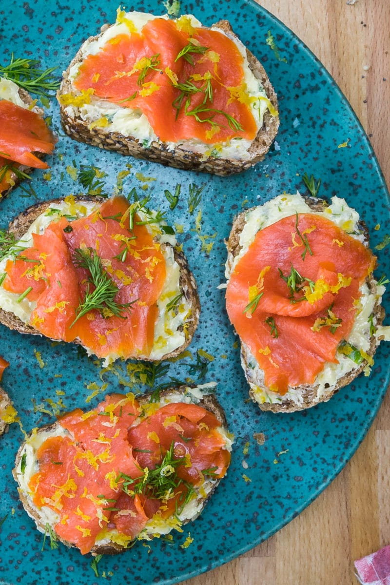 blue speckled platter topped with smoke salmon toast